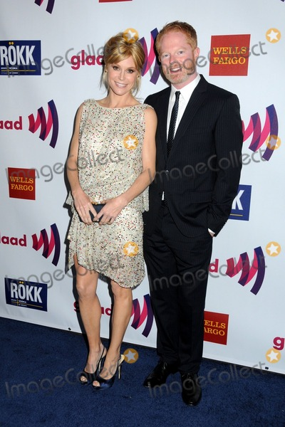 Jesse Tyler Ferguson, Julie Bowen, Jesse Tyler Photo - 10 April 2011 - Los Angeles, California - Julie Bowen and Jesse Tyler Ferguson. 22nd Annual GLAAD Media Awards held at the Westin Bonaventure Hotel. Photo: Byron Purvis/AdMedia