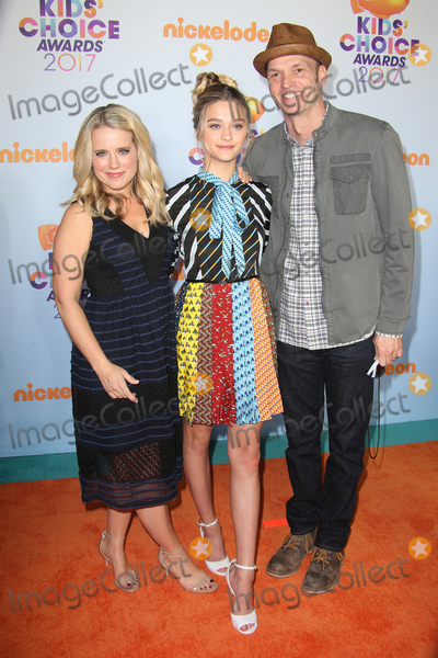 Lizzy Greene, Brian Stepanek Photo - 11 March 2017 -  Los Angeles, California - Lizzy Greene, Brian Stepanek. Nickelodeon's Kids' Choice Awards 2017 held at USC Galen Center. Photo Credit: Faye Sadou/AdMedia