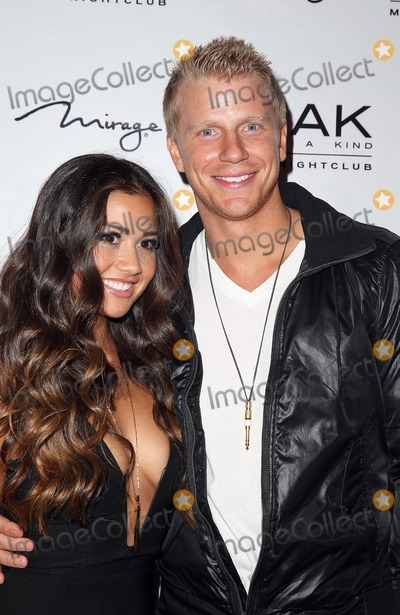 Sean & Catherine Lowe - Pictures - No Discussion - Page 5 2085453a6719572