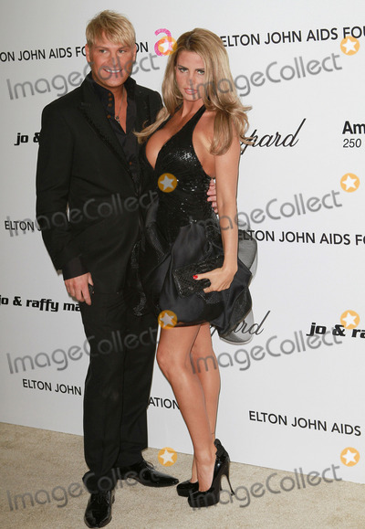 Katie Price, Elton John Photo - 27 February 2011 - West Hollywood, California - Katie Price, Jordan. 19th Annual Elton John AIDS Foundation Academy Awards Viewing Party held at The Pacific Design Center. Photo Credit: Faye SadouAdMedia Photo: Faye Sadou/AdMedia