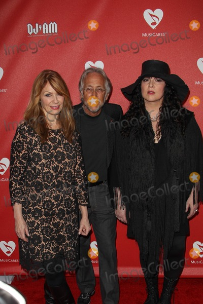 Ann Wilson, Nancy Wilson, Neil Portnow Photo - 31 May 2012 - Los Angeles,  California - Ann Wilson & Nancy Wilson & Neil Portnow. MusiCares MAP Fund Benefit held at Club Nokia. Photo Credit: Lee Sherman/Starlitepics/AdMedia