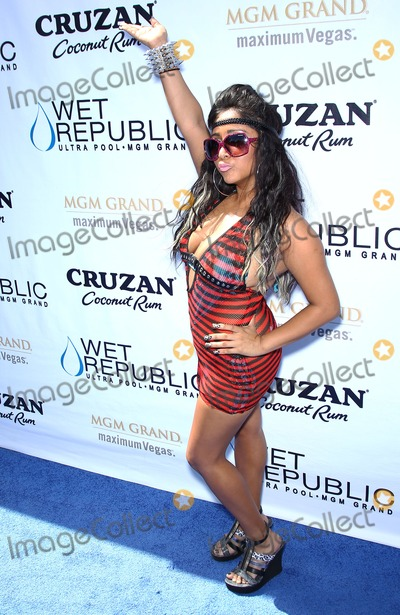 "Snooki, Nicole ""Snooki"" Polizzi, Nicole 'Snooki' Polizzi, Nicole Snooki Polizzi, ""Snooki"" Polizzi, NICOLE, SNOOKI Photo - 20 August 2011 - Las Vegas, Nevada - Snooki.   Nicole ""Snooki"" Polizzi hosts scorching poolside bash at Wet Republic Ultra Pool at MGM Grand Las Vegas, NV.  Photo Credit: MJT/AdMedia"