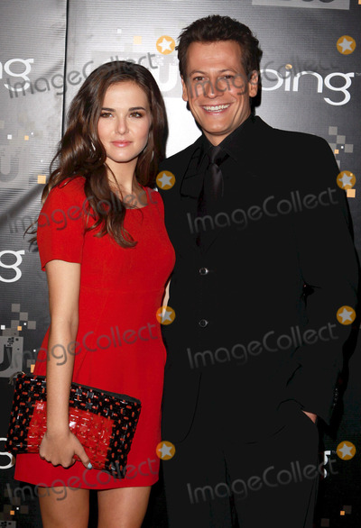 Ioan Gruffudd, Zoey Deutch Photo - 10 September 2011 - Burbank, California - Ioan Gruffudd and Zoey Deutch. Bing Presents The CW Premiere Party for the New Fall Season Show Lineup held at Warner Bros Studio Lot. Photo Credit: Charles Harris/AdMedia