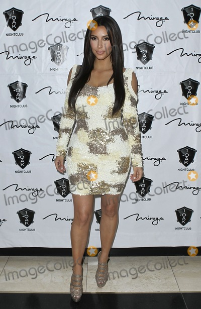Kim Kardashian, Rob- Kardashian, Rob Kardashian Photo - 16 March 2012 - Las Vegas, Nevada - Kim Kardashian.  Rob Kardashian celebrates his birthday at 1 OAK Nightclub at the Mirage.  Photo Credit: MJT/AdMedia