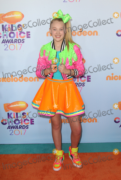 JoJo Siwa Photo - 11 March 2017 -  Los Angeles, California - JoJo Siwa. Nickelodeon's Kids' Choice Awards 2017 held at USC Galen Center. Photo Credit: Faye Sadou/AdMedia