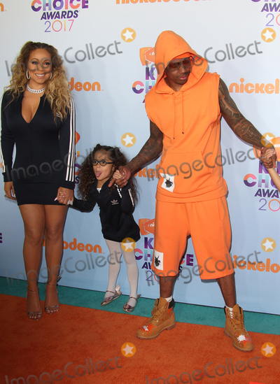 Mariah Carey, Nick Cannon Photo - 11 March 2017 -  Los Angeles, California - Mariah Carey, Nick Cannon, Moroccan Scott Cannon. Nickelodeon's Kids' Choice Awards 2017 held at USC Galen Center. Photo Credit: Faye Sadou/AdMedia