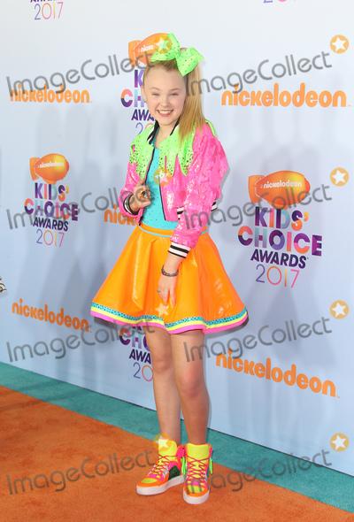 JoJo Siwa, Jo Jo, JoJo Photo - 11 March 2017 -  Los Angeles, California - JoJo Siwa. Nickelodeon's Kids' Choice Awards 2017 held at USC Galen Center. Photo Credit: Faye Sadou/AdMedia