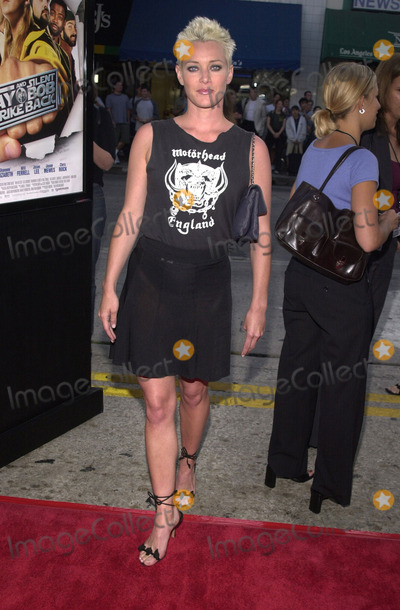 "Angela Featherstone Photo -  Angela Featherstone at the premiere of Dimension's ""Jay and Silent Bob Strike Back"" at Mann's Bruin Theater, 08-15-01"