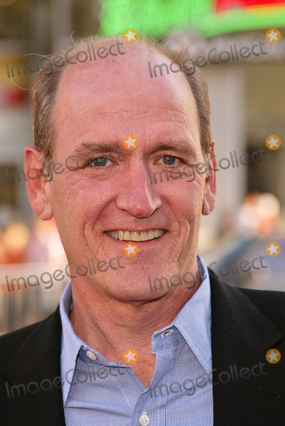 "Richard Jenkins Photo - Richard Jenkins at the 4th Season Premiere of HBO's series ""Six Feet Under"" at Grauman's Chinese Theater, Hollywood, CA. 06-02-04"