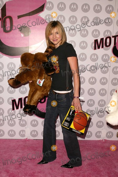 Sarah Chalke Photo - Sarah Chalke at Motorola's 5th Anniversary Party for Toys for Tots, Private Location, Culver City, CA 12-05-03