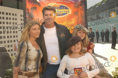 "David Hasselhoff Photo - David Hasselhoff and family at ""The Wild Thornberrys Movie"" Premiere benefiting the World Wildlife Fund, Cinerama Dome, Hollywood, CA 12-08-02"