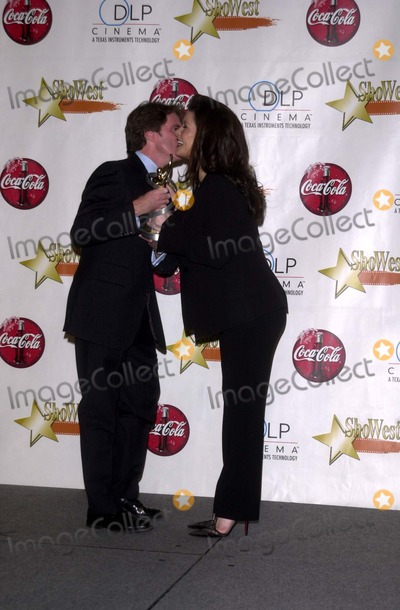 Catherine Zeta-Jones, Rob Marshall Photo - Catherine Zeta-Jones and Rob Marshall at the ShoWest 2003 Annual Awards Banquet, Paris Hotel, Las Vegas, NV 03-06-03