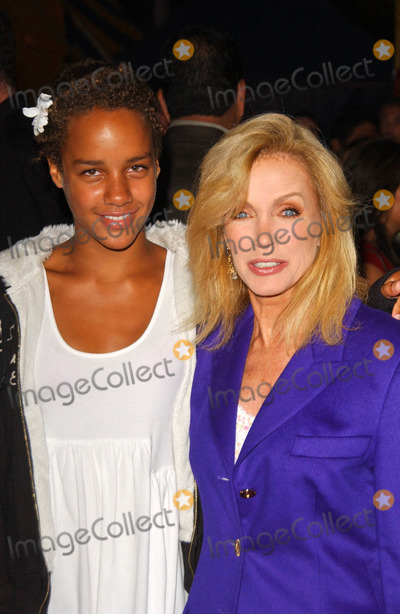 Cirque du Soleil, Donna Mills Photo - Donna Mills and her daughter Chloe
