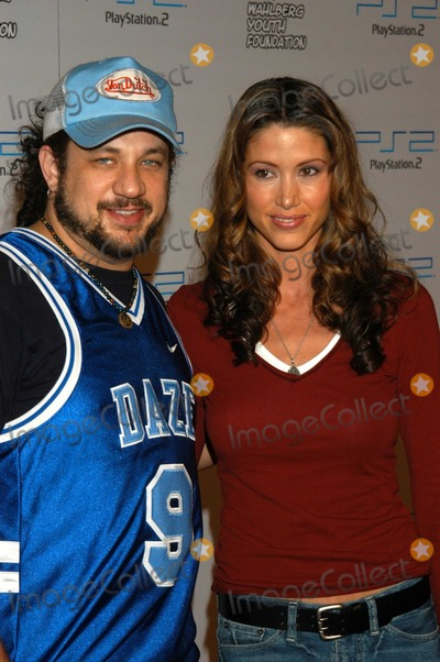 Shannon Elizabeth, Joe Reitman Photo - Shannon Elizabeth and Joe Reitman at PlayStation 2 Triple Double Gaming Tournament, Club Ivar, Hollywood, Calif., 10-25-03