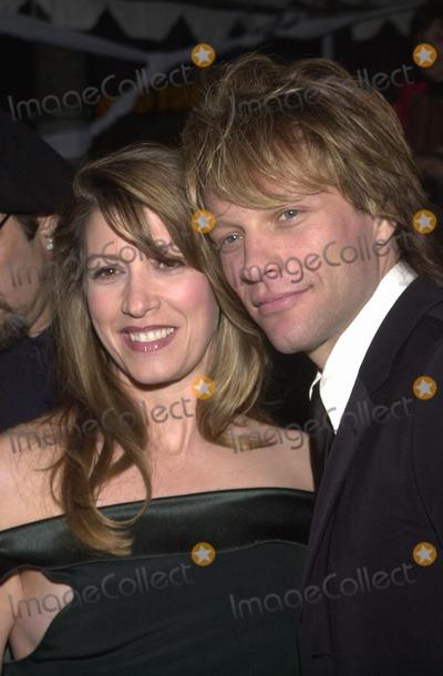 "Jon Bon Jovi, Bon Jovi Photo -  Jon Bon Jovi and wife Dorothea Hurley at the premiere of Universal's ""U-571"" in Westwood, 04-17-00"