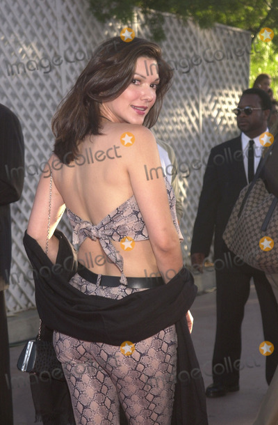 "Laura Elena Harring, Laura Harring Photo - LAURA ELENA HARRING at the premiere of Universal's ""Jurassic Park III"" at the Universal Amphitheater, Universal City, 07-16-01"