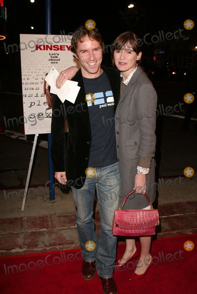 "Alessandro Nivola, Emily Mortimer Photo - Alessandro Nivola and Emily Mortimer at the Los Angeles Premiere of ""Kinsey,"" Mann Village  Theater, Westwood, CA 11-08-04"