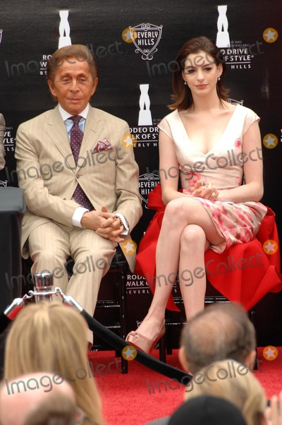Anne Hathaway, Valentino, Valentino Garavani Photo - Valentino Garavani and Anne Hathaway