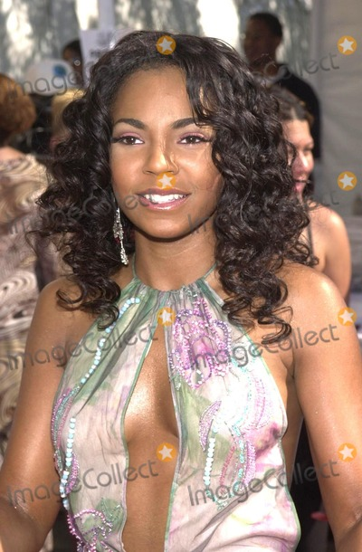 Ashanti, Train Photo - Ashanti at the 8th Annual Soul Train Lady Of Soul Awards, Pasadena Civic Auditorium, Pasadena, CA, 08-24-02