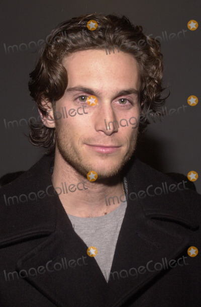 Oliver Hudson Photo - Oliver Hudson at the WB Network's Winter 2002 All-Star Party, Il Fornaio Restaurant, Pasadena, 01-16-02