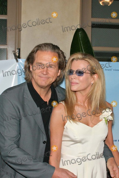 "Jeff Bridges, Kim Basinger, The Doors Photo - Jeff Bridges and Kim Basinger at the ""The Door In The Floor"" Cocktail Reception Fund Raiser for the Santa Barbara Film Festival, Restaurant NU, Santa Barbara, CA. 06-13-04"