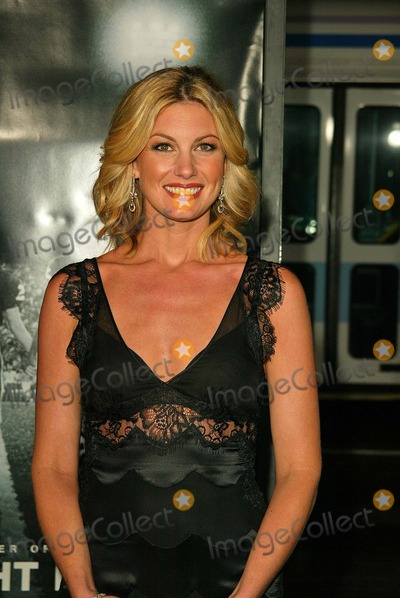 "Faith Hill Photo - Faith Hill At the world premiere of ""Friday Night Lights"", Grauman's Chinese Theatre, Hollywood, CA 10-06-04"