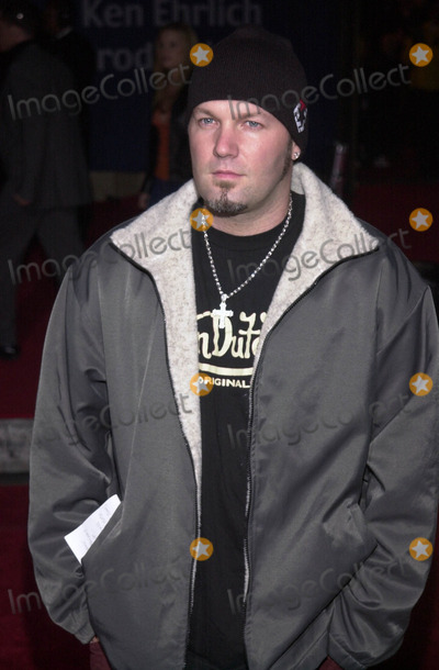 Fred Durst Photo -  FRED DURST at the 7th Annual Blockbuster Entertainment Awards, Shrine Auditorium, Los Angeles, 04-10-01