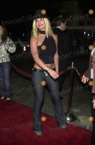 "Britney Spears Photo - Britney Spears at the premiere of the Paramount/Miramax film ""The Four Feathers"" in Westwood, CA 09-17-02"