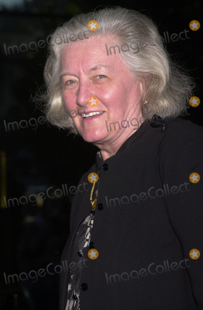 "Carroll O'Connor, The Others, Carrol Connors, Nancy Carroll Photo -  NANCY FIELDS (CARROLL O'CONNOR'S WIDOW) at the premiere of Dimension Film's ""The Others"" at the Directors Guild of America, Hollywood, 08-07-01"