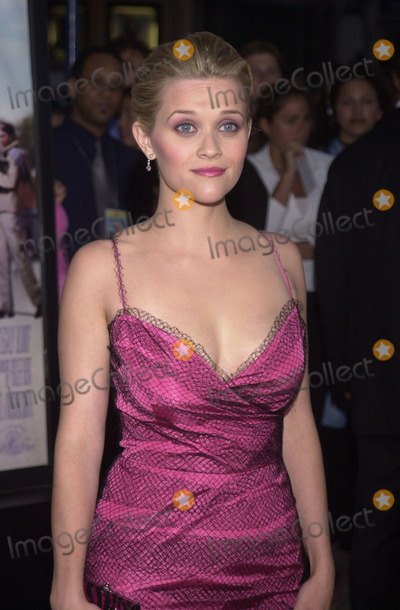 "Reese Witherspoon Photo -  Reese Witherspoon at the premiere of MGM's ""Legally Blonde"" at Mann's Village Theater, Westwood, 06-26-01"