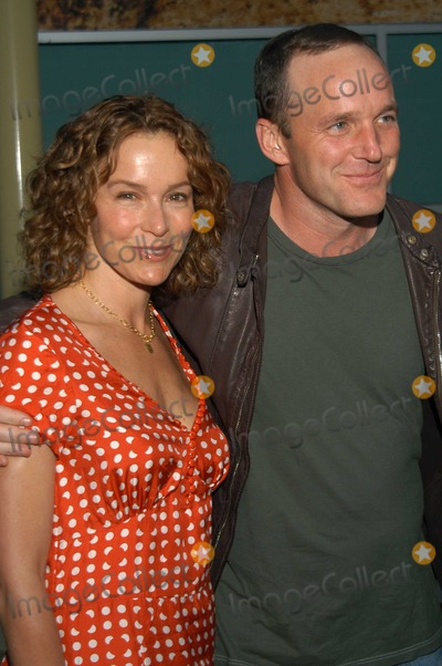 "Jennifer Grey, Clark Gregg Photo - Jennifer Grey and Clark Gregg at The Premiere of ""Northfork"", Arclight Cinemas, Hollywood, Calif., 07-10-03"