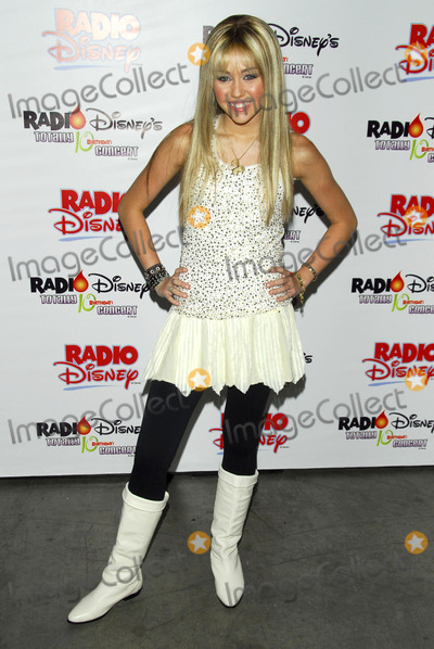 Miley Cyrus Photo - Miley Cyrus