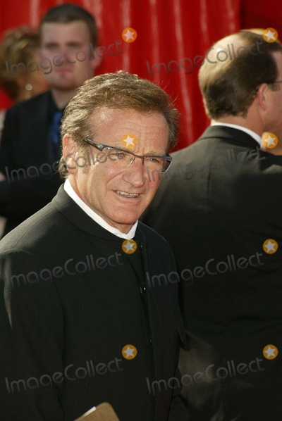 Robin Williams Photo - Robin Williams at the 55th Annual Emmy Awards Arrivals, Shrine Auditorium, Los Angeles, CA 09-21-03