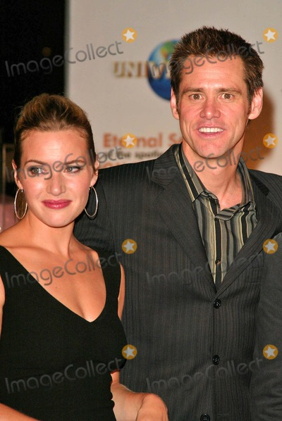 "Kate Winslet, Jim Carrey Photo - Kate Winslet and Jim Carrey At the release party of ""Eternal Sunshine of the Spotless Mind"", at LACMA, Los Angeles, CA 09-23-04"