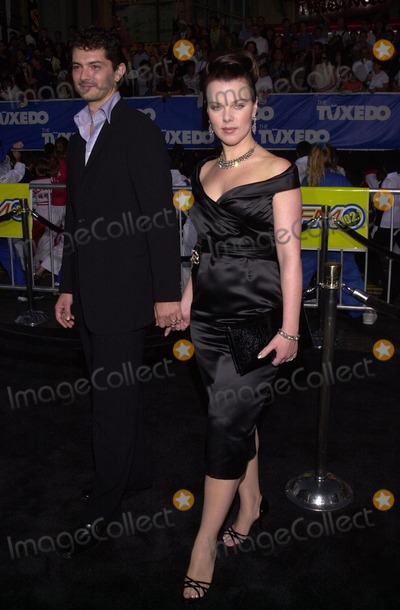 "Debi Mazar Photo - Debi Mazar at the premiere of Dreamwork's ""The Tuxedo"" at Grauman's Chinese Theater, Hollywood, 09-19-02"