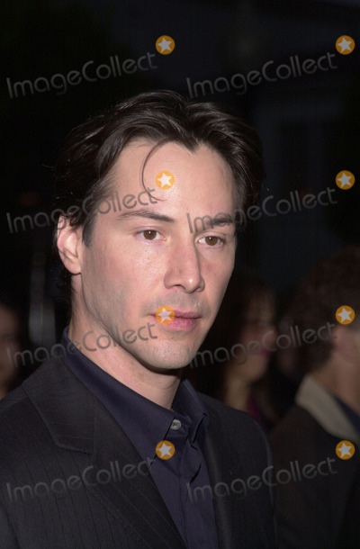 "Keanu Reeves Photo - Keanu Reeves at the premiere of Paramount's ""Hardball"" at Paramount Studios, Hollywood, 09-10-01"