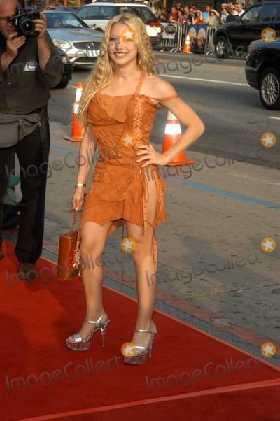 "Courtney Peldon Photo - Courtney Peldon at the premiere of Warner Bros. ""Alex & Emma"" at the Chinese Theater, Hollywood, CA 06-16-03"