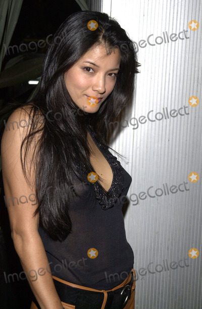 "Kelly Hu Photo -  Kelly Hu at the premiere party for the new Sci-Fi series ""TRACKER"" at 360 in Hollywood, 10-18-01"