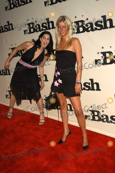 Sarah Silverman, Nicky Hilton Photo - Sarah Silverman and Nicky Hilton at the MTV Bash honoring Carson Daily, Palladium, Hollywood, CA 06-28-03