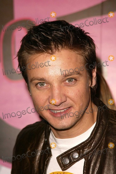Jeremy Renner Photo - Jeremy Renner at Motorola's 5th Anniversary Party for Toys for Tots, Private Location, Culver City, CA 12-05-03