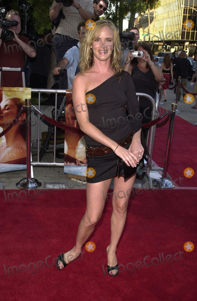 "Juliette Lewis Photo -  Juliette Lewis at the premiere of Universal Studios, StudioCanal and Miramax's ""Captain Corelli's Mandolin"" at the Academy of Motion Pictures Arts and Sciences, Beverly Hills, 08-13-01"