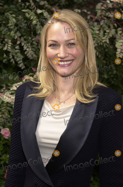 Sarah Wynter, Four Seasons Photo -  SARAH WYNTER at Premiere Magaine's Women In Hollywood Luncheon, Four Season's Hotel, Beverly Hills, 10-22-01