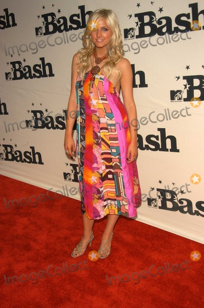 Ashlee Simpson Photo - Ashlee Simpson at the MTV Bash honoring Carson Daily, Palladium, Hollywood, CA 06-28-03