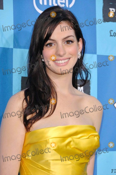 Anne Hathaway Photo - Anne Hathaway
