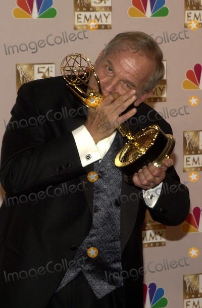 John Spencer Photo - John Spencer at the 54th Annual Emmy Awards Press Room, Shrine Auditorium, Los Angeles, CA 09-22-02