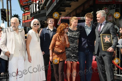 Susan Sarandon, Tim Robbins Photo - Susan Sarandon with Tim Robbins and family