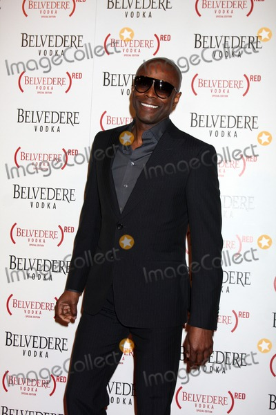Photo - LOS ANGELES - FEB 10:  Kem arrives at the Belvedere RED Special Edition Bottle Launch at Avalon on February 10, 2011 in Los Angeles, CA