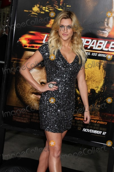 "Ashley Roberts Photo - LOS ANGELES - OCT 26:  Ashley Roberts arrives at the ""Unstoppable"" Premiere at Regency VIllage Theater on October 26, 2010 in Westwood, CA"