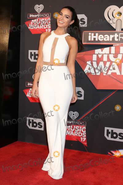 Ashley Iaconetti Photo - LOS ANGELES - MAR 5:  Ashley Iaconetti at the 2017 iHeart Music Awards at Forum on March 5, 2017 in Los Angeles, CA