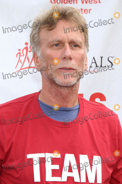 Peter Horton Photo - LOS ANGELES - OCT 16:  Peter Horton at the ALS Association Golden West Chapter Los Angeles County Walk To Defeat ALS at the Exposition Park on October 16, 2016 in Los Angeles, CA